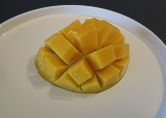 Step 3 - How to dice a mango