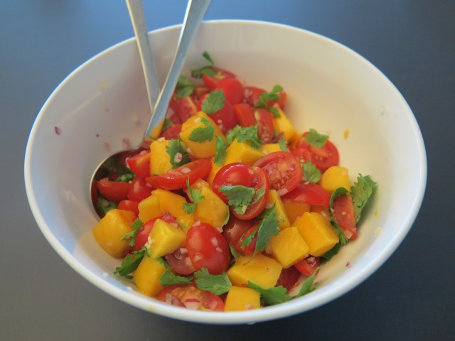 Step 4 - Mix the mango and the tomato salsa